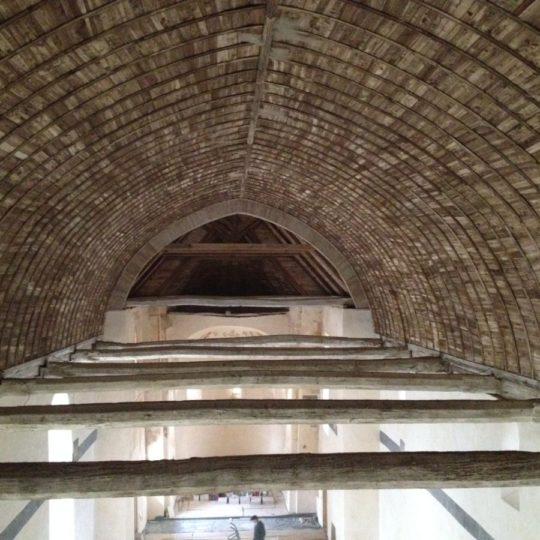 restauration-voute-lambrisee-monument-historique-cruard-charpente
