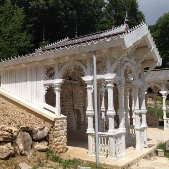 kiosque-bois-jardin-cruard-charpente