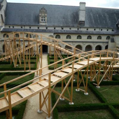 abbaye-fontevraud-passerelle-bois-cruard-charpente