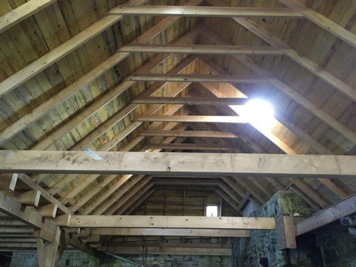 restauration-charpente-plancher-conserverie-loctudy-cruard-charpente