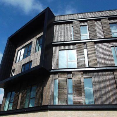 detail-douglas-facade-siege-le-noble-age-vertou-façade-bois-cruard-charpente